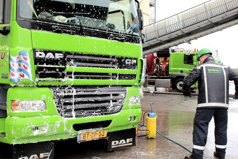 Reiniging vrachtwagen Wenau