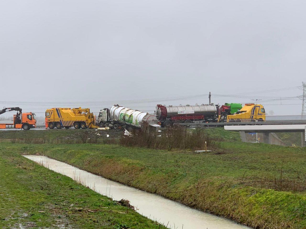 calamiteitenservice bij ongeluk op de A32